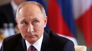 Russian Officials Block Putin Critic From Presidential Bid