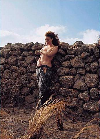 Hot girls Monica Bellucci nude Italian model & actress 6