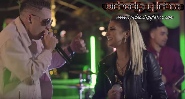 Valeria Gau feat Marcos Da Costa - Ilegales : Video y Letra