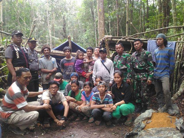 Dapat Bisikan Danau Toba akan Meletus, 3 Keluarga Ini Tinggal di Hutan Sitahoan