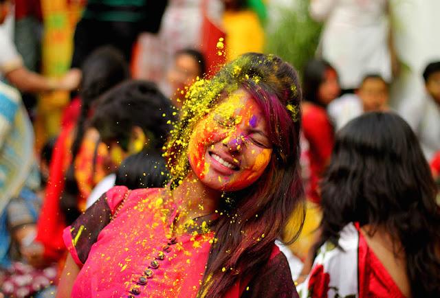 Hot Holi Images