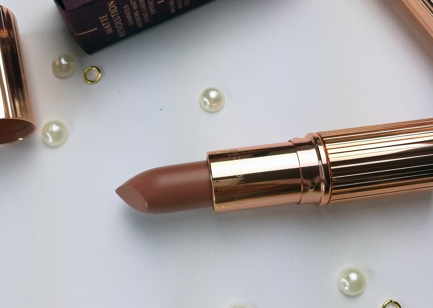 Charlotte Tilbury kissing lipstick review and swatches hepburn honey