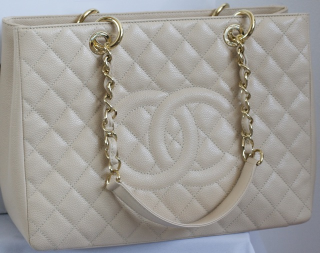 9f545b0b17b4 100% Authentic, new never used Chanel Classic Grande Shopper Tote Beige  Claire Caviar with Shiny Gold Hardware. Unwanted Gift!