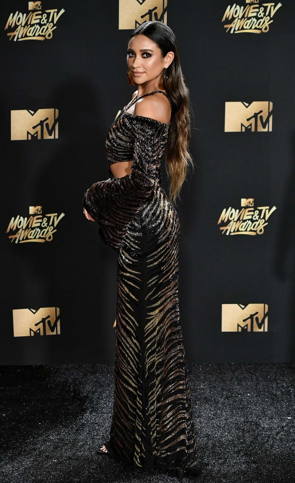 Shay Mitchell – 2017 MTV Movie And TV Awards in Los Angeles