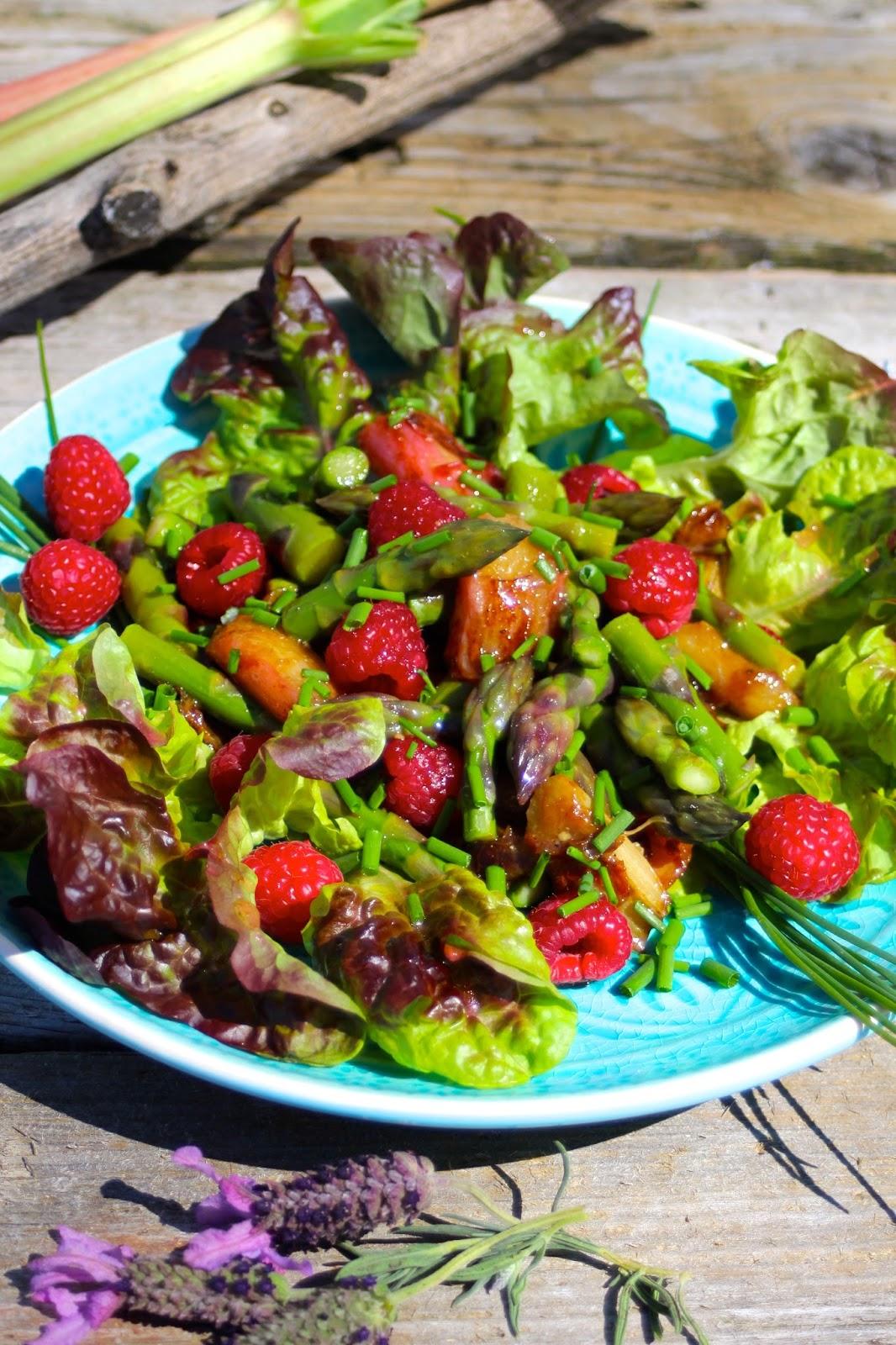 Rhabarber‑Spargel‑Salat