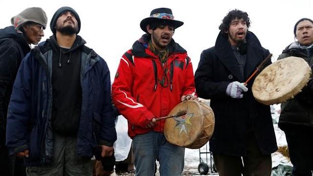Judge denies request to stop oil flow in Dakota pipeline