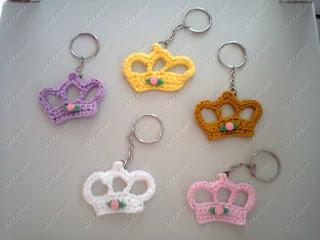coroa,coroa crochê,lembrancinha coroa,lembrancinha coroa crochê, lembrancinha chaveiro,  chaveiro coroa,chaveiro coroa crochê,lembrancinha princesa, festa princesas,lembrancinha príncipe