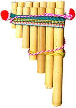 Foto de una zampoña básica del Perú