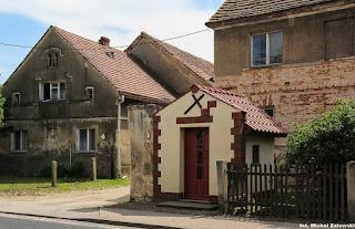 Pełcznica gm. Kąty Wrocławskie, kapliczka domkowa 1824