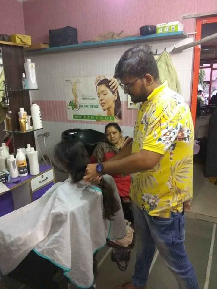 Indian Girl Haircut by Stylist Naresh Valand - All About Hair