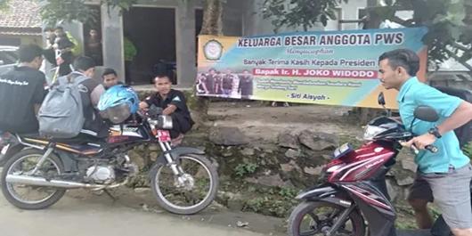 Siti Aisyah Pulang, Warga Bentangkan Spanduk Terima Kasih Jokowi