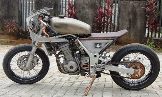 Modifikasi Kawasaki Ninja 250R Cafe Racer Rock n Row