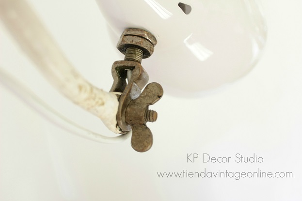 Lámpara consulta de médico antigua