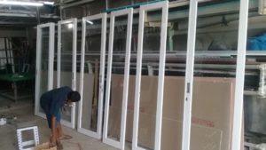 Cara Membuat Pintu Aluminium Kaca Minimalis 6