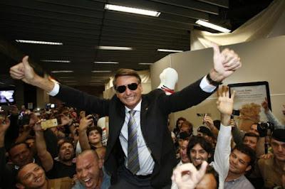 Bolsonaro é eleito o político mais honesto do mundo