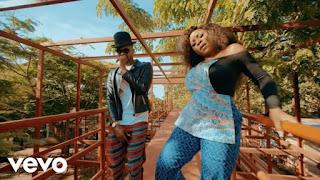 DOWNLOAD VIDEO:  Omawumi Ft. Kizz Daniel – Me Ke Mp4