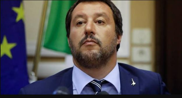 Σαλβίνι: Θα είναι τρελοί οι Ευρωπαίοι αν επιβάλουν κυρώσεις στην Ιταλία