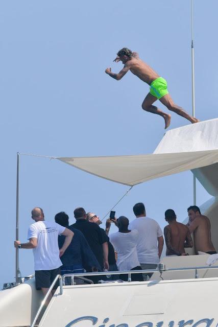 Neymar Gelar Pesta di Kapal Pesiar Setelah Gabung PSG