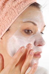 simple masque pour peau grasse et acn ique comment avoir une belle peau. Black Bedroom Furniture Sets. Home Design Ideas