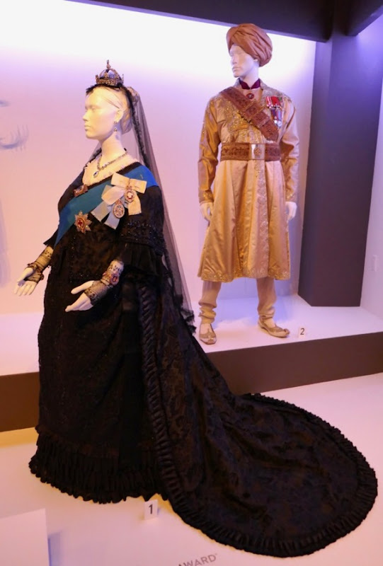 Victoria and Abdul film costumes