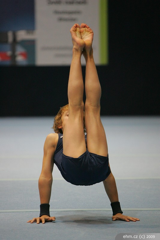 Nude Barefoot Gymnasts 105