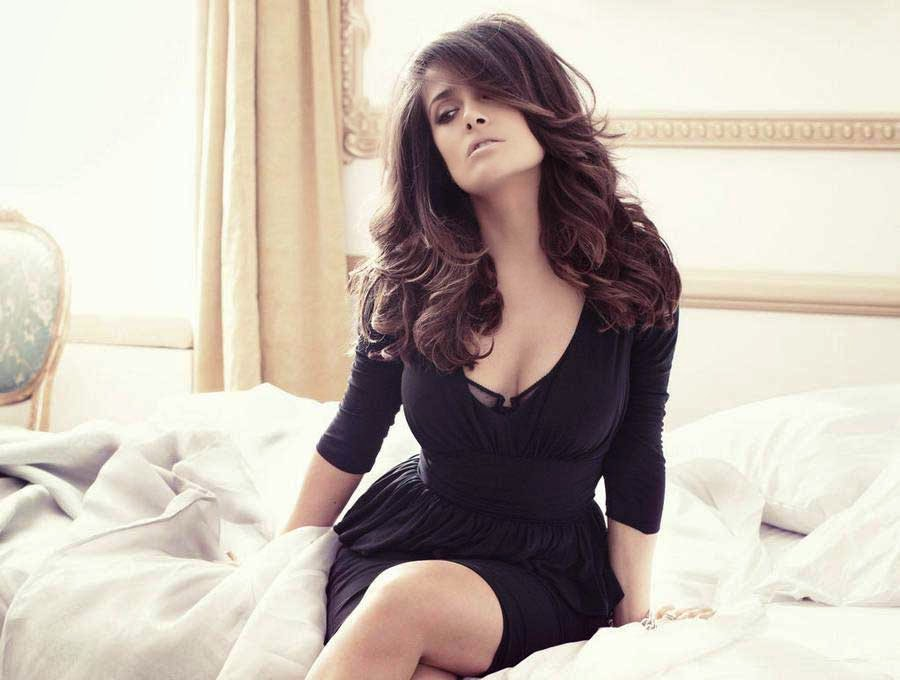 Salma Hayek Awesome Photoshoot