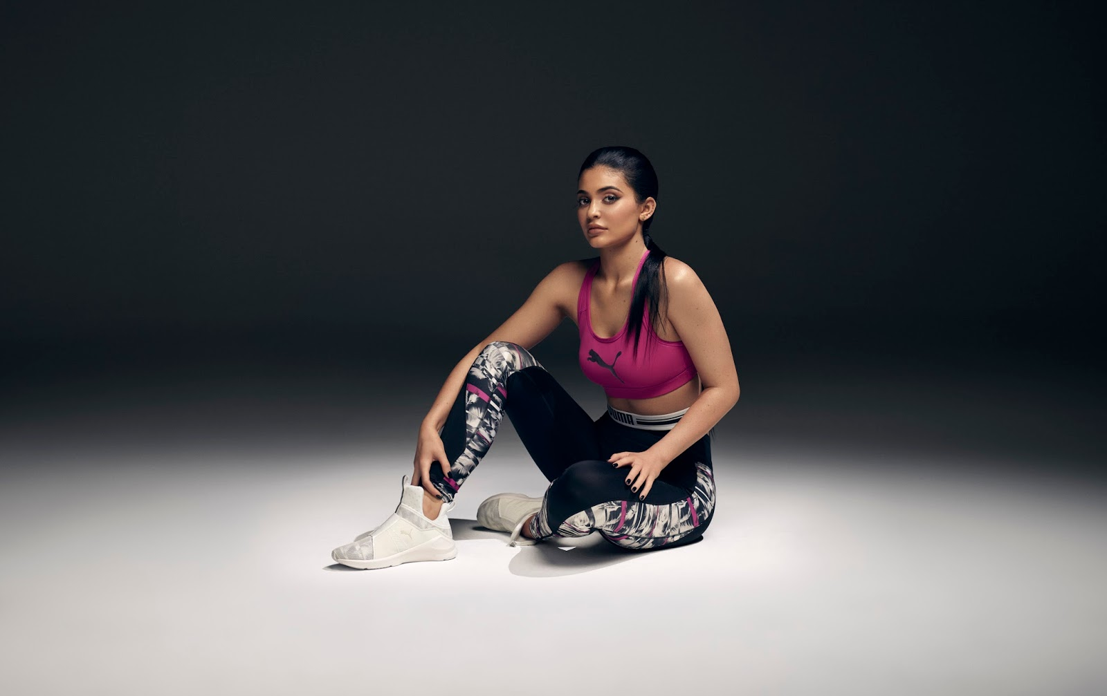 """5f9035b41a80a2 First Look  PUMA """"Swan Pack"""" – A Women s Collection That Embraces Freedom  of Self-Expression"""