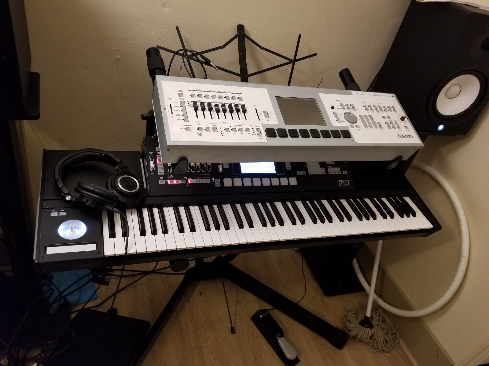 MATRIXSYNTH: KORG M3 Prototype Up for Auction?