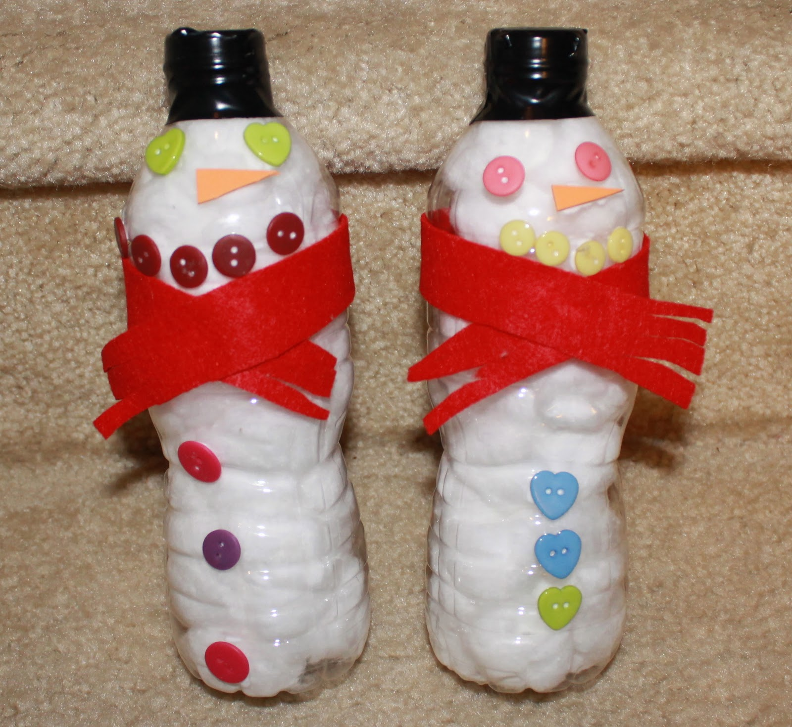 Lovely Mom to 2 Posh Lil Divas: Easy Upcycled Water Bottle Snowman Craft FB98
