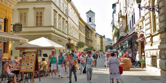 Rua Váci, Budapeste
