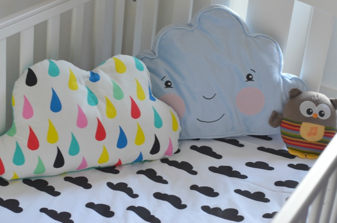 cloud themed nursery, cloud cushions, unisex nursery ideas