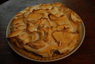 Morengų ir vynuogių pyragas