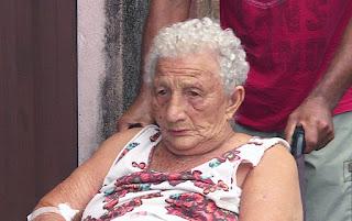 site policia mg Militares salvam idosa de casa em chamas