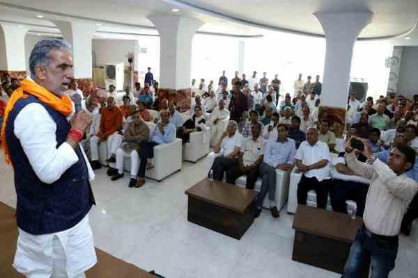 krishanpal-gurjar-says-pm-narendra-modi-working-for-majboot-india