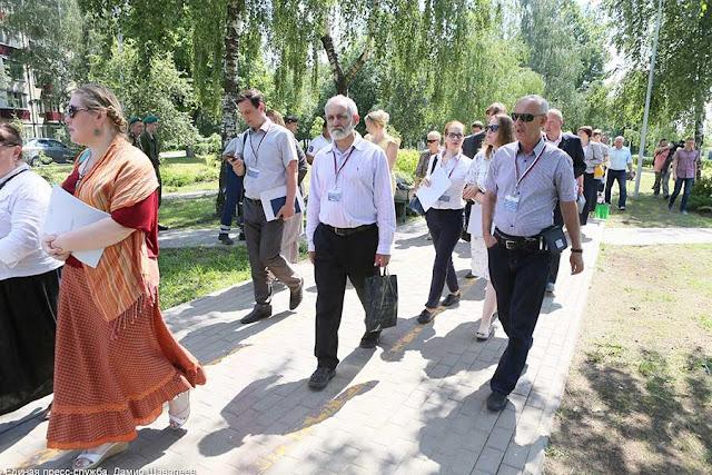 Участники совещания на бульваре Кузнецова Сергиев Посад