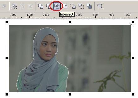 Cara Menyeleksi Foto dengan Menggunakan 3-Point Curve dan Shaping Tool di CorelDRAW X4