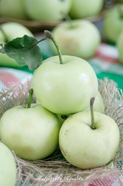jabłka w cieście, owoce w cieście naleśnikowym, deser z jabłek, daylicooking, Małgorzata Kijowska