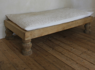 oak daybed -  i gigi general store - as seen on linenandlavender.net - http://www.linenandlavender.net/2014/01/source-sharing-i-gigi-general-store-uk.html