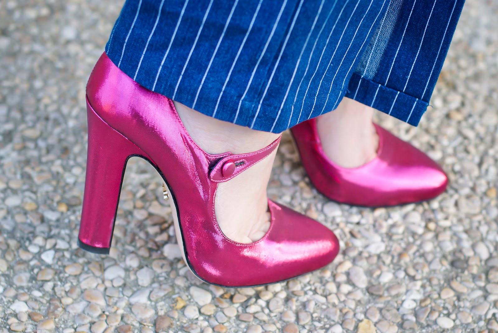 Le Silla Mary Jane fuchsia metallic heels on Fashion and Cookies fashion blog, fashion blogger