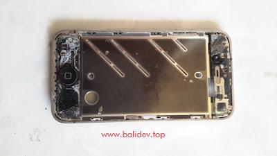 Bagian Depan pemegang layar iphone 4
