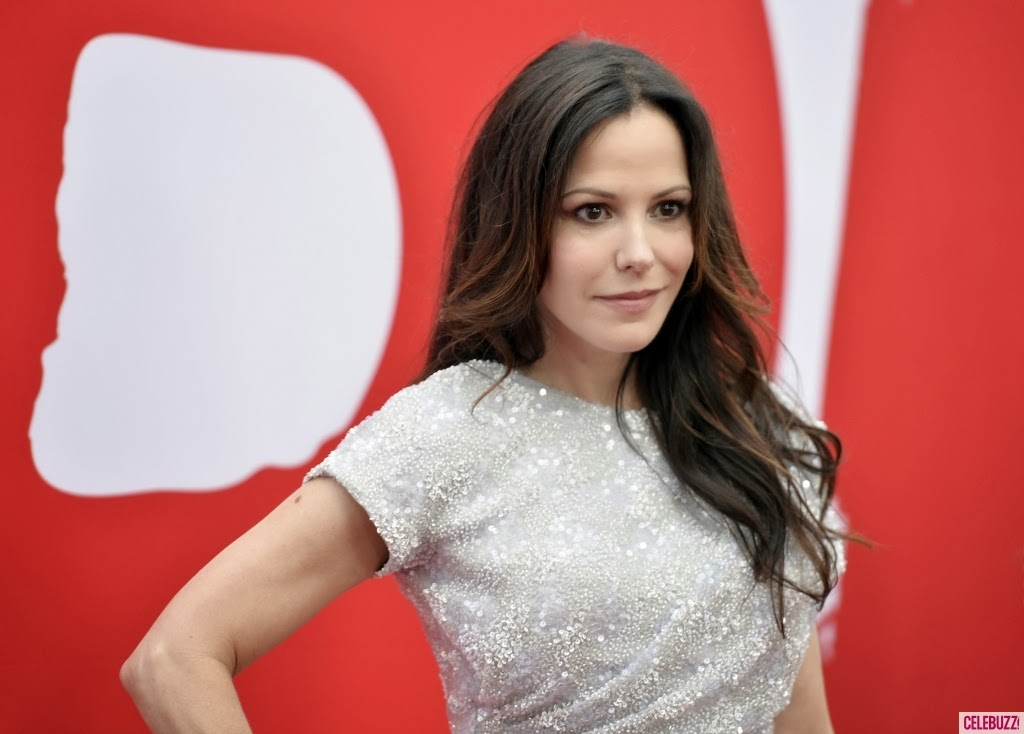 Mary-Louise Parker Hot HD Wallpapers