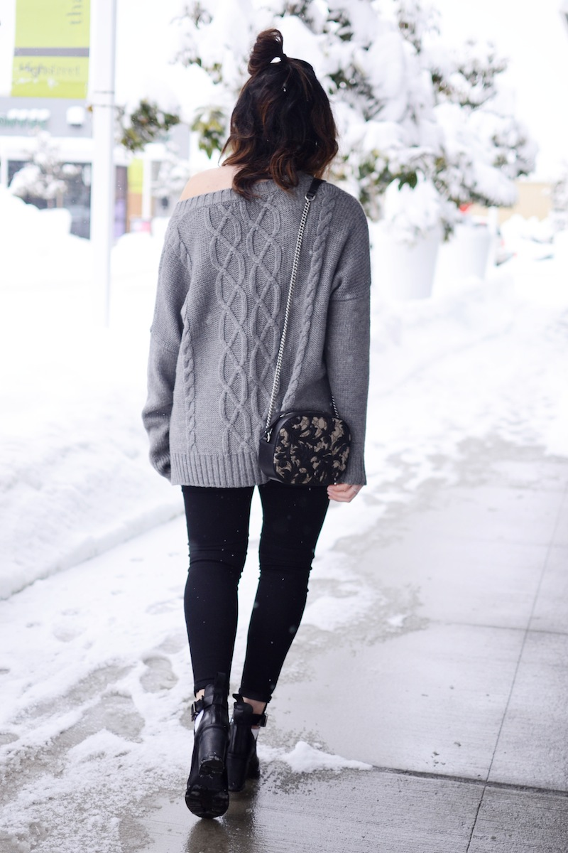 off-the-shoulder sweater chunky knit cute winter outfit idea '90s inspired look topshop jaime jeans gucci arabesque vancouver fashion blogger