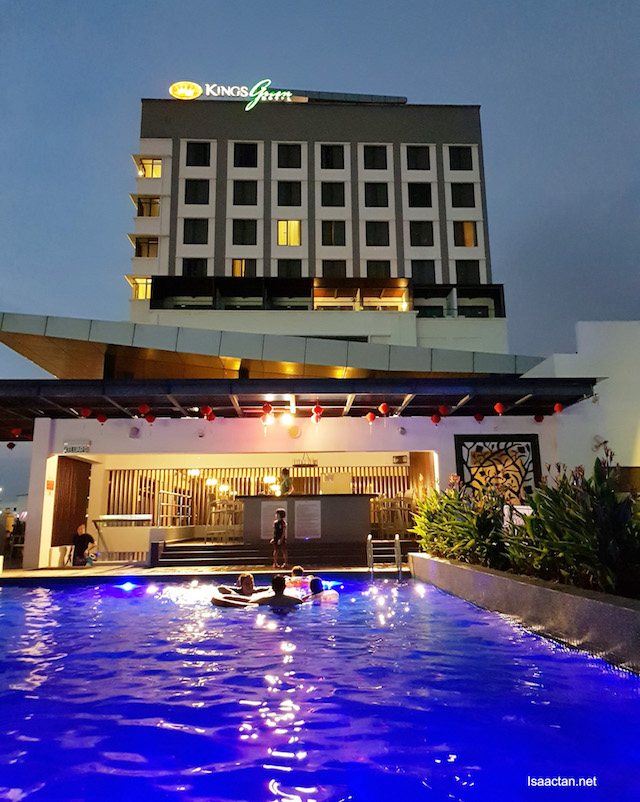 The view of the pool, beautiful at night