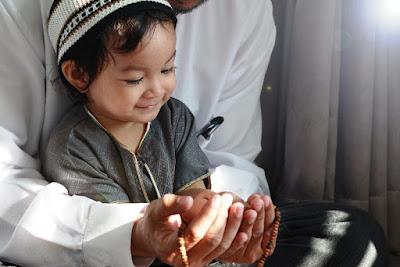 Kumpulan Doa Terbaik Untuk Anak Agar Menjadi Sukses Soleh dan Solehah Arab Latin Terjemah Lengkap