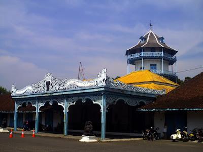 akcayatour, Travel Surabaya Solo, Travel Solo Surabaya