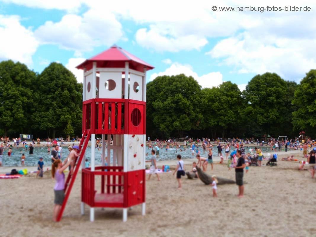 Baden im Hamburger Stadtpark, Bei schönem Wetter ist das Planschbecken voll