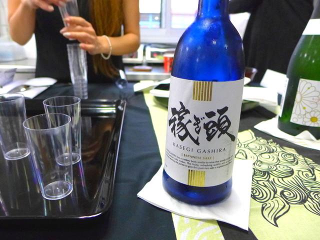 人気の料理学校ESTELLAでの和菓子セミナーに日本酒も提供しました。