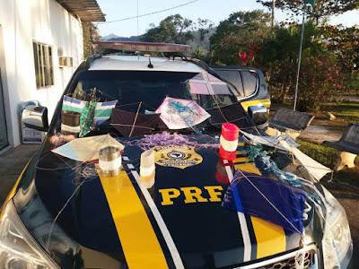 """PRF apreende pipas com linha """"chilena"""" em Ubatuba"""