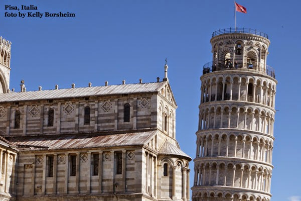 Pisa Italy Leaning Tower Illusion - leaning right Piazza dei Miracoli