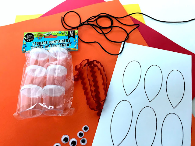 Step by step directions to make Candy Turkey Necklaces.